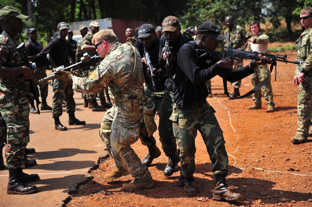 U.S. and Cameroonian special forces at the Silent Warrior exercise in 2013. Credit: Master Sgt. Larry W. Carpenter Jr./ US Air Force